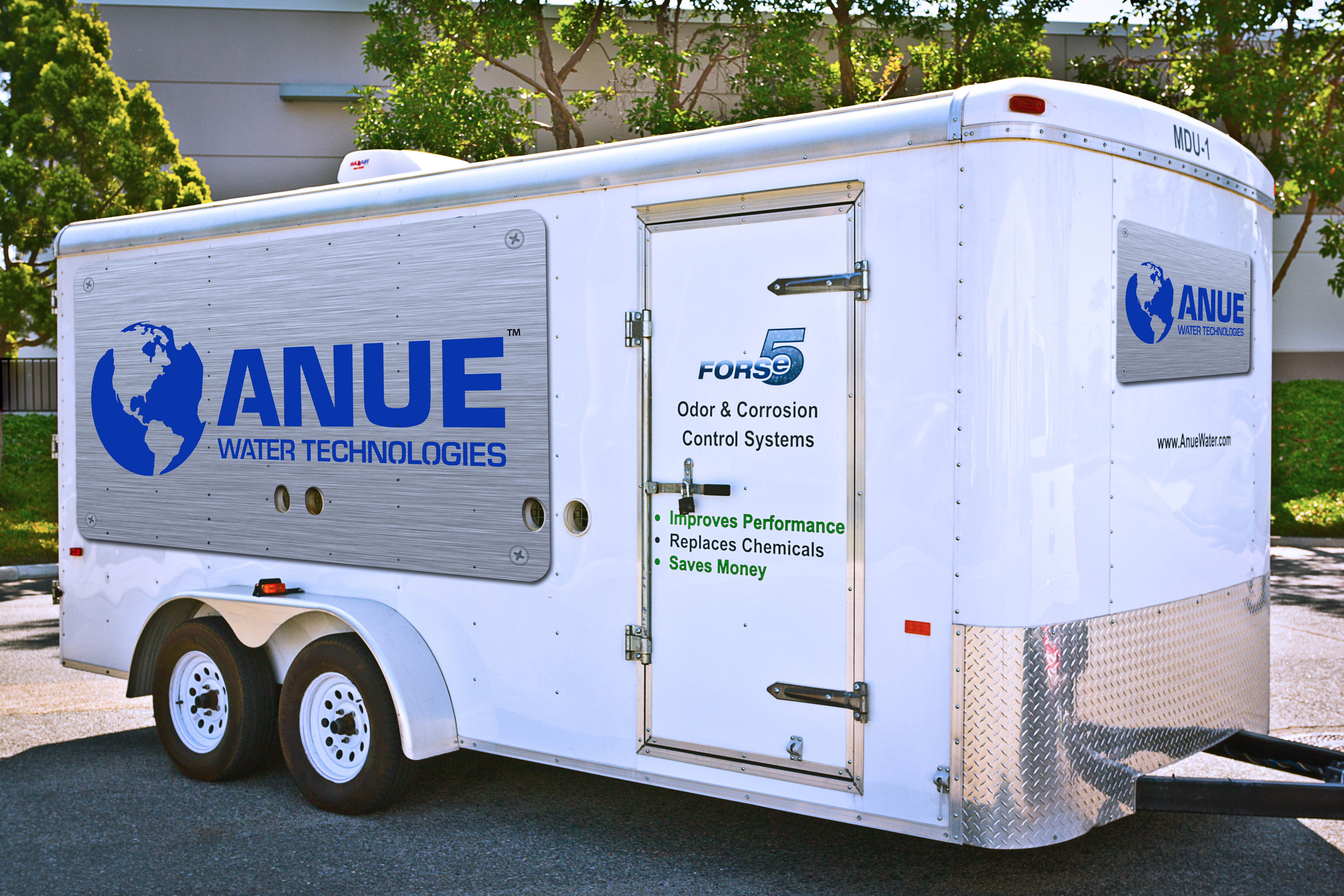 Anue trucks, vans and technical experts travel to municipalities all over the USA, eliminating FOG, odor, corrosions and other problems with the equipment and service they bring to the site.