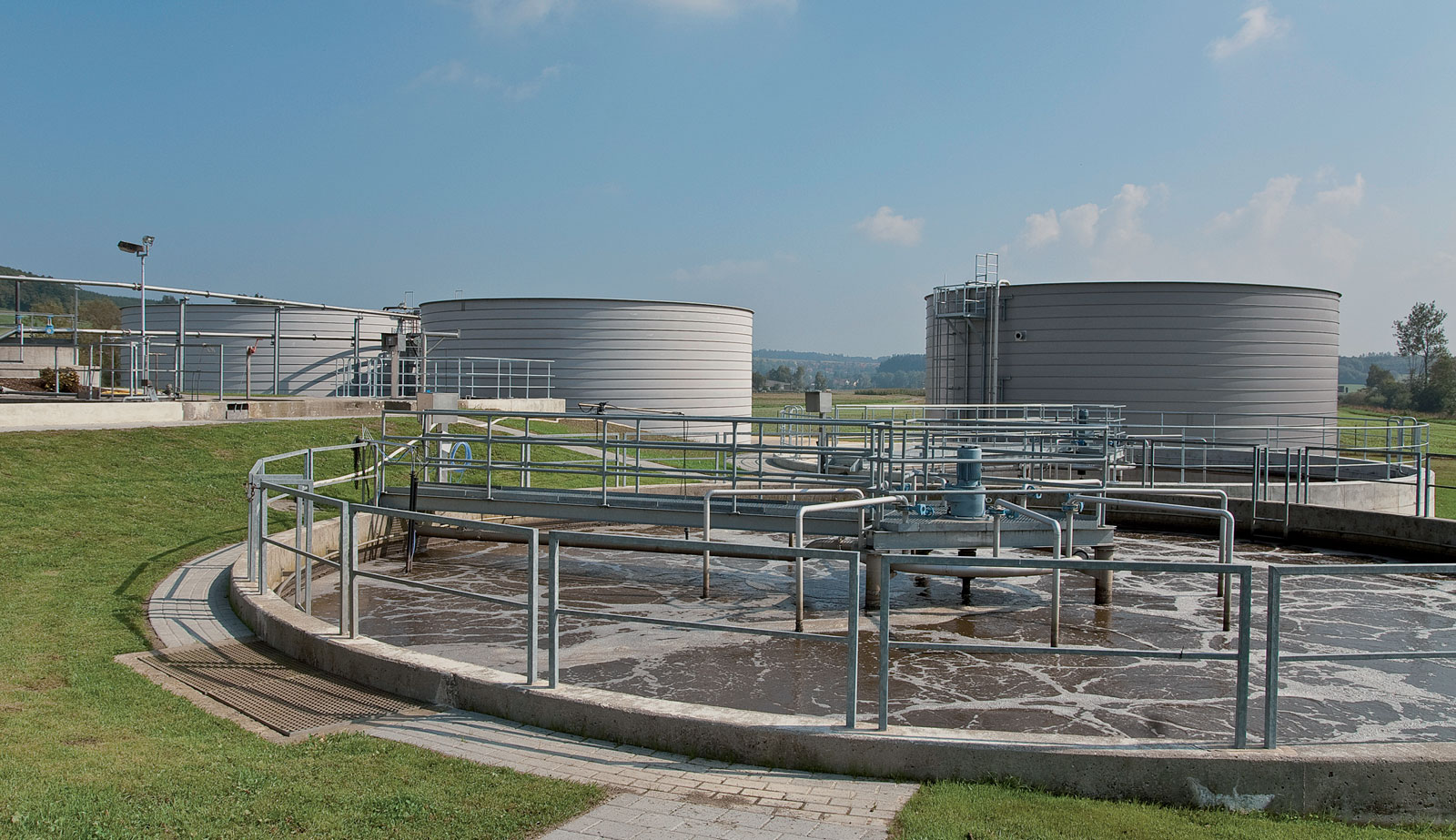 Digester + Storage Tanks  |  Distributor...